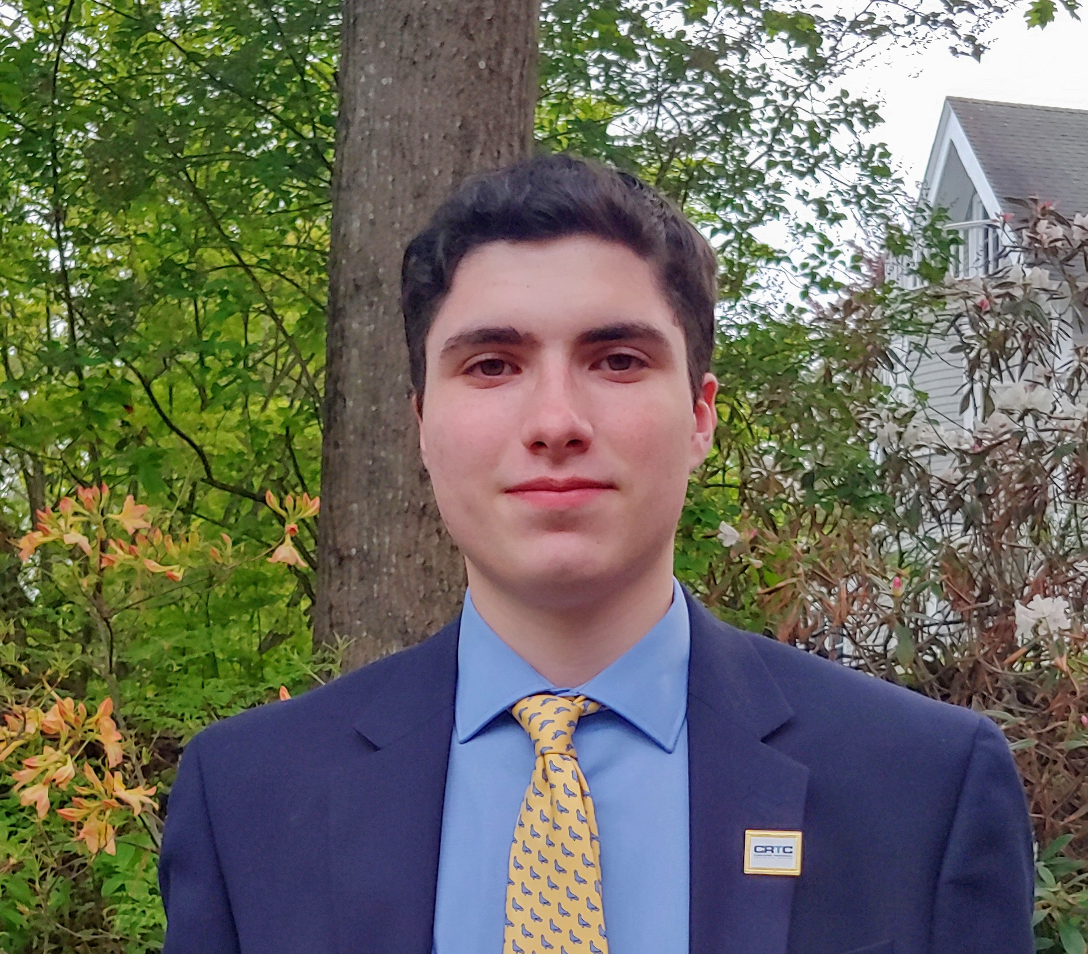 Javier Alvarez Receives the Community College System of New Hampshire Scholarship