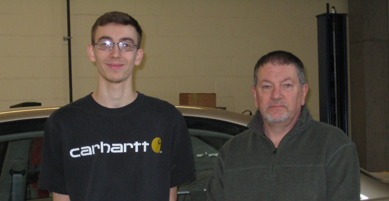 Justin Armstrong is awarded the NHADA Foundation Automotive Technology scholarship